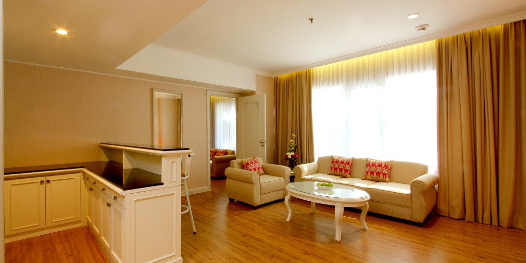 Kartika Chandra-Executive Suite Living Room